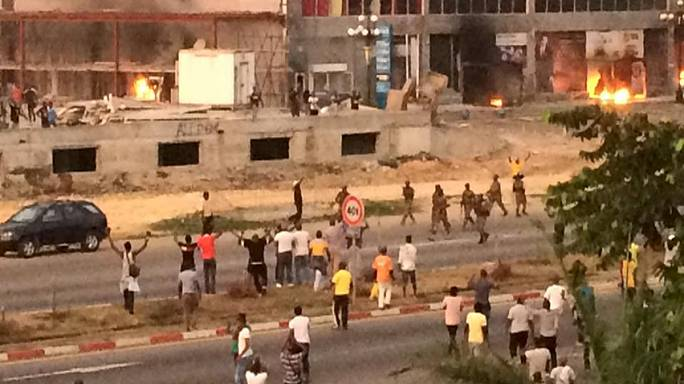 على بونغو يحمل المعارضة مسؤولية أعمال العنف