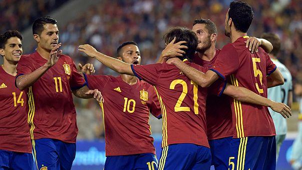 Portugal goleia no regresso, Espanha vence em Bruxelas