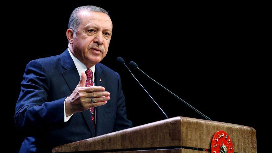 تركيا: اردوغان يرد على مسؤول اميركي مؤكداً ان المقاتلين الاكراد لم يعبروا الى شرق الفرات