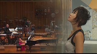 پیانو و سازهای ضربی، اجرایی از یوجا وانگ در مرکز ملی هنرهای نمایشی چین