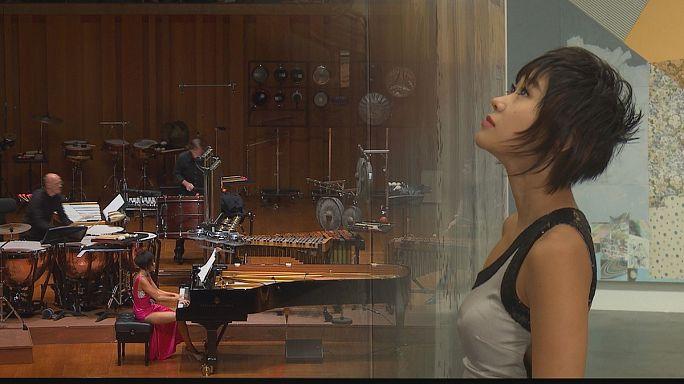 """""""يوجا وانغ"""" الوجه الآخر لعزف البيانو"""