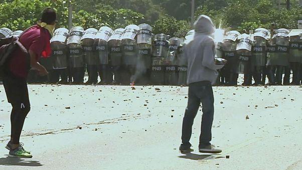 Enfrentamientos entre opositores al Gobierno venezolano y la policía en Caracas