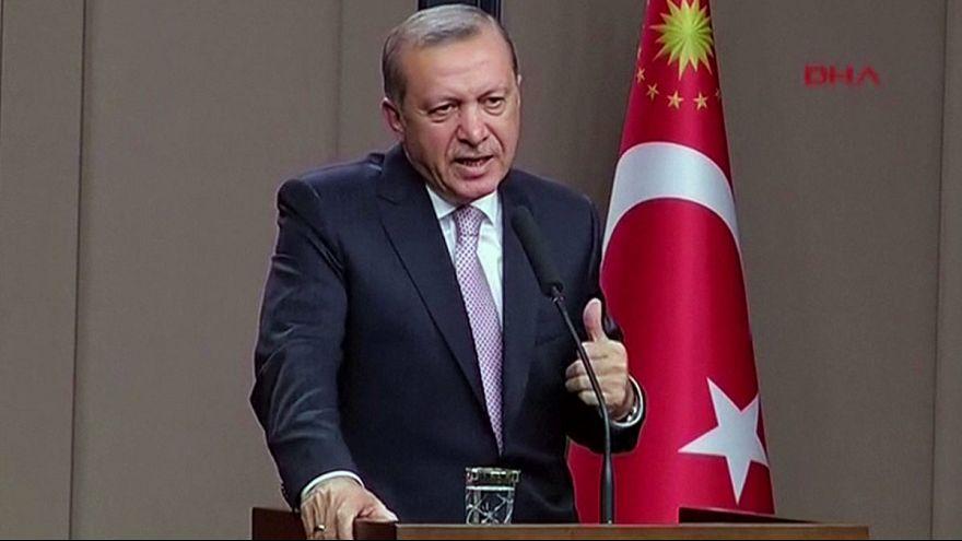 سوريا: اردوغان ينفي انسحاب المقاتلين الأكراد إلى شرق الفرات