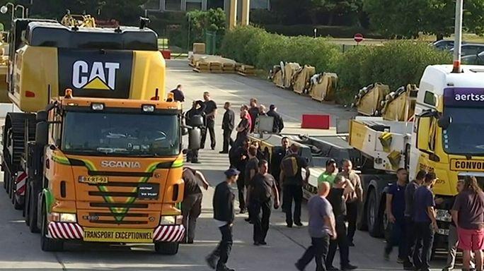 كاتربيلر تعلن إغلاق مصنعها جنوب بلجيكا