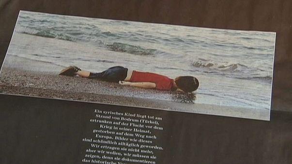 Suriyeli Aylan'ın ölüm yıl dönümü: Bir yılda bin çocuk daha boğuldu