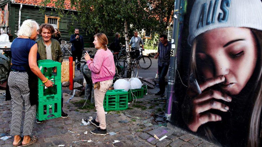 Christiania'da esrar satılan tezgahlar kaldırıldı