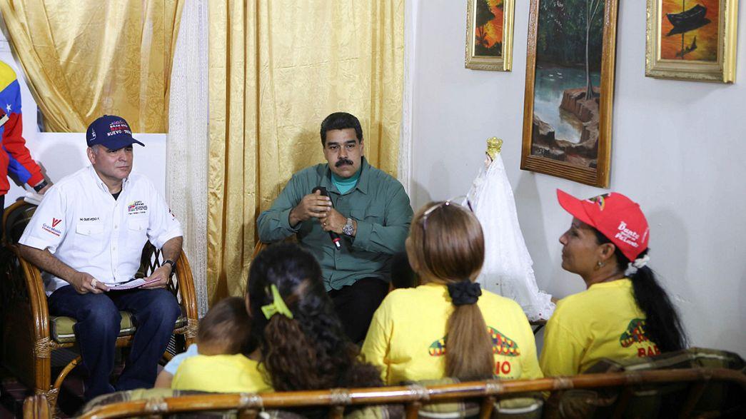 Venezuela hükümetinden darbe girişimine dair iki basın toplantısı