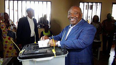 Ali réélu, le régime Bongo se perpétue