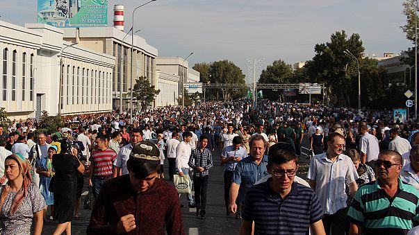 Тысячи жителей Ташкента проводили в последний путь Ислама Каримова
