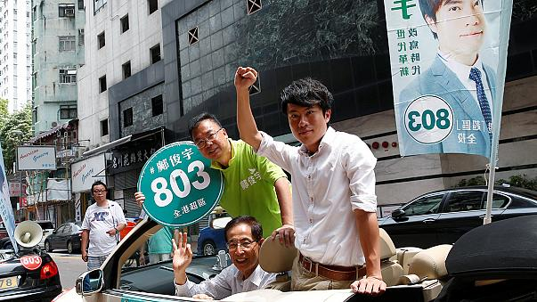 Hong Kong'da protestoların gölgesinde seçim