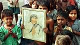 Rahibe Teresa azize ilan edildi