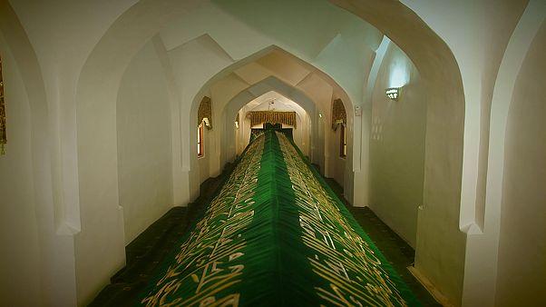 Загадка гробницы Ходжа Данияра: святые мощи растут