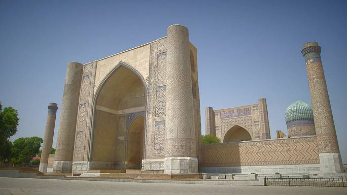 Postcards from Uzbekistan: the Bibi-Khanym mosque