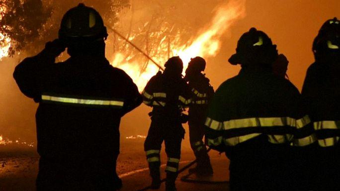 Espanha: incêndio ameaça estância balnear