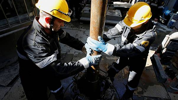 Saudi-Arabien und Russland wollen Ölschwemme eindämmen