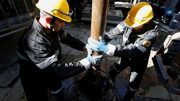 Petrolio: Teheran divide Mosca e Riyad. Accordo sì, congelamento non ancora