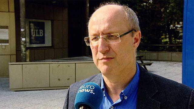 جان ميشال دو فايل استاذ العلوم السياسية في جامعة بروكسل الحرة يشرح محللا نتائج الانتخابات الفرعية الألمانية