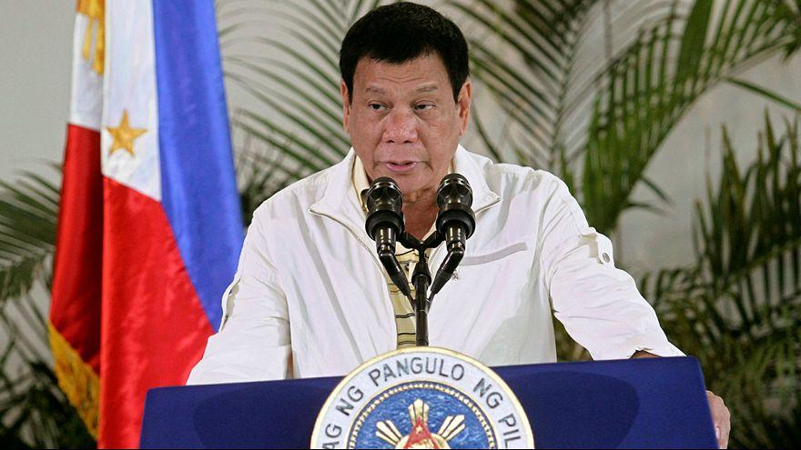 """Philippinischer Präsident Duterte bezeichnet Obama als """"Hurensohn"""""""