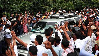Myanmar, trattative di pace, proteste contro Kofi Annan
