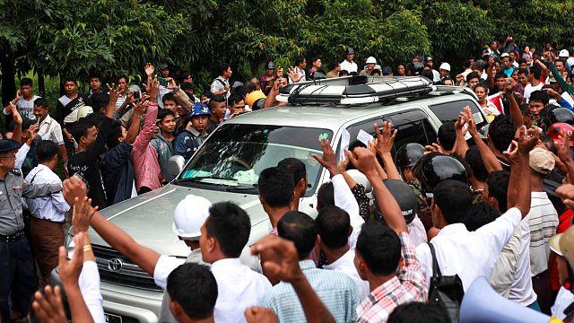 Kofi Annan'ın gelişi Myanmar'da halkı sokaklara döktü
