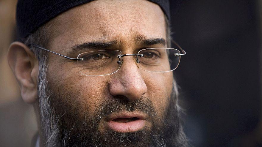 La justicia británica condena a 5 años y medio de cárcel al clérigo islamista radical Anjem Choudary