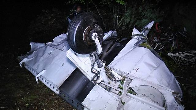 Hatan meghaltak egy repülőbalesetben Szkopjénél