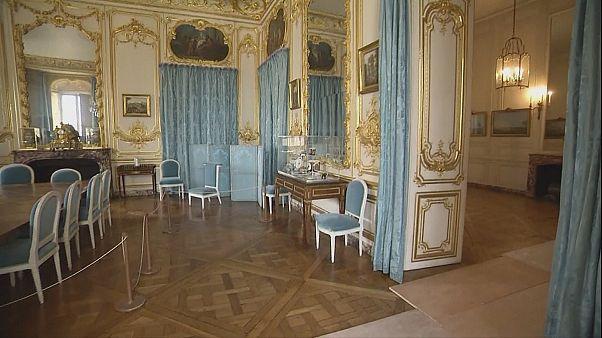 De faux meubles à Versailles?