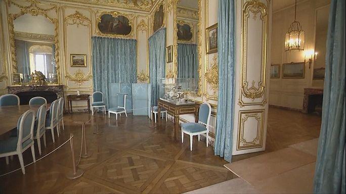 De faux meubles à Versailles ?