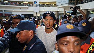 Afrique du Sud : accueil triomphal pour Wayde Van Niekerk
