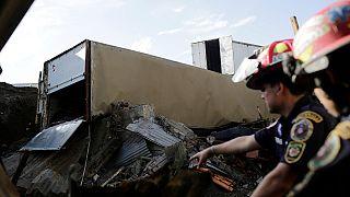 Un derrumbe deja una decena de muertos en Ciudad de Guatemala