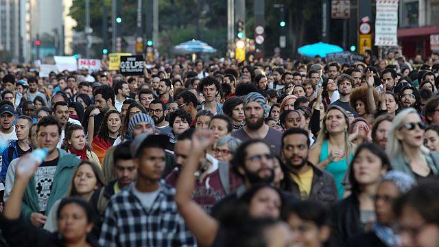 تجدد الاحتجاجات ضد الرئيس البرازيلي الجديد