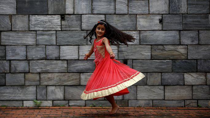 Nepal 'çocuk gelinler ve damatlarını' görmezden geliyor