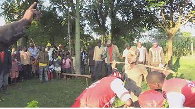La circoncision, facteur incontournable chez les Luhyas, au Kenya