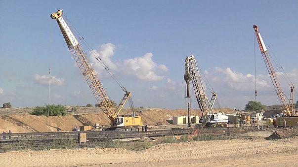 İsrail, Gazze sınırına beton duvar örüyor