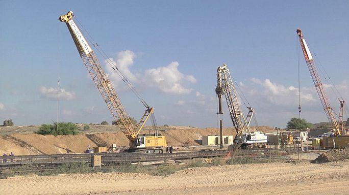 Израиль возводит барьер вдоль границы с сектором Газа