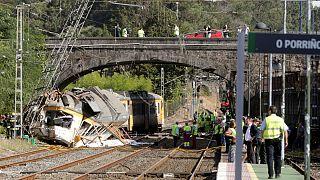 إسبانيا: مقتل أربعة أشخاص في حادث خروج قطار عن مساره