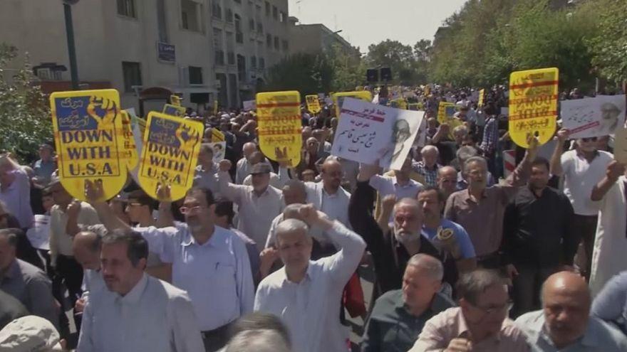 Manifestación en Teherán contra la decisión de Arabia Saudí de excluir a los iraníes de la peregrinación a La Meca