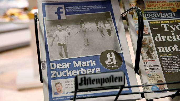 Администрация Facebook подвергла цензуре известную фотографию, но потом передумала