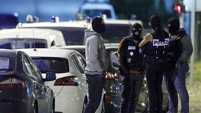 Франция: задержанные по подозрению в терроризме женщины, действовали по указке боевиков ИГ