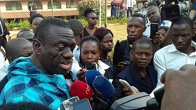 Ouganda: l'opposant Kizza Besigye a appelé samedi à son jugement rapide pour haute trahison