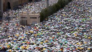 2 milyon hacı adayı Arafat'ta buluştu