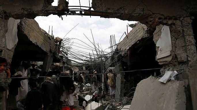 Jemen: Sok civil meghalt a szaúdi légicsapásban