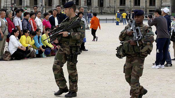 Französische Polizei verhaftet 15-jährigen Terrorverdächtigen in Paris