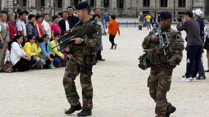Франция: воскресенье - день арестов террористов