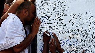 Cientos de miles de musulmanes lapidan hoy al diablo en el hach