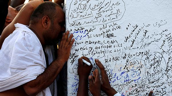 Muslim pilgrims begin last rituals of hajj in Mecca