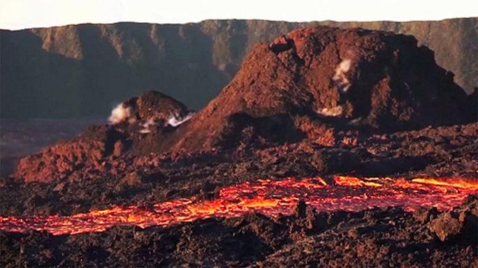 Извержение вулкана на острове Реюньон