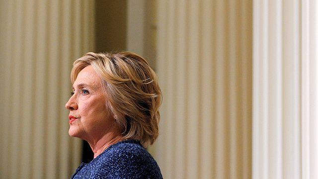 Clinton lemondta kaliforniai kampányútját