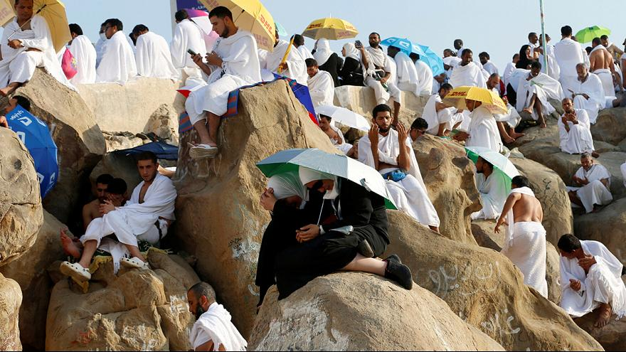 На горе Арафат собрались до полутора миллиона мусульман
