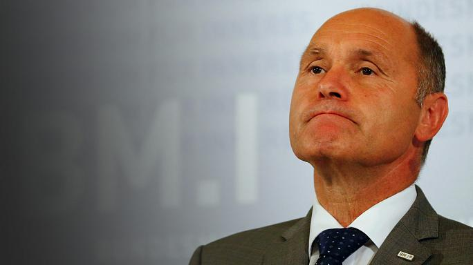 Austrian presidential poll postponed over faulty glue